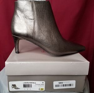 Frances Sarto Pewter ankle boots size 6M NWT